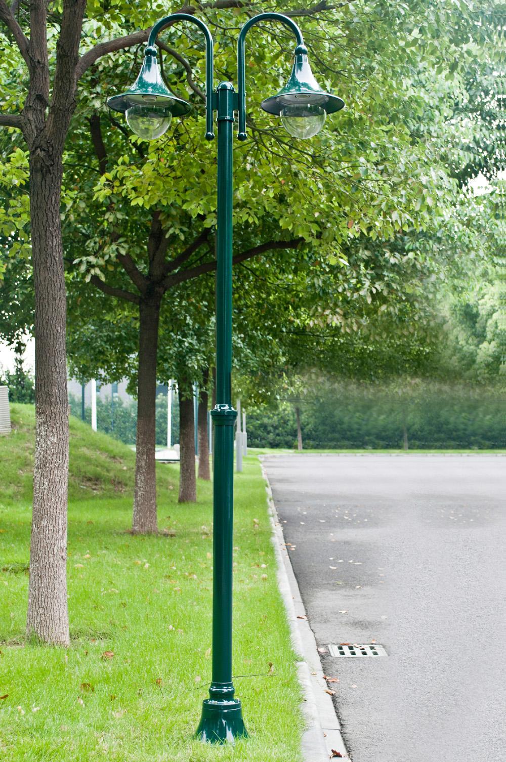 Lampadaire vert lampe jardin ext rieur 2 t tes for Lampe jardin exterieur
