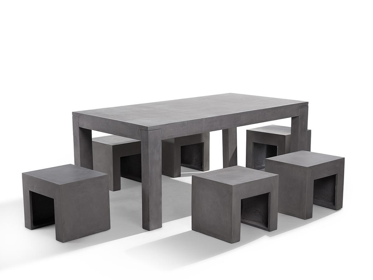 Salon de jardin en b ton complet table avec 6 tabourets for Table beton cire exterieur