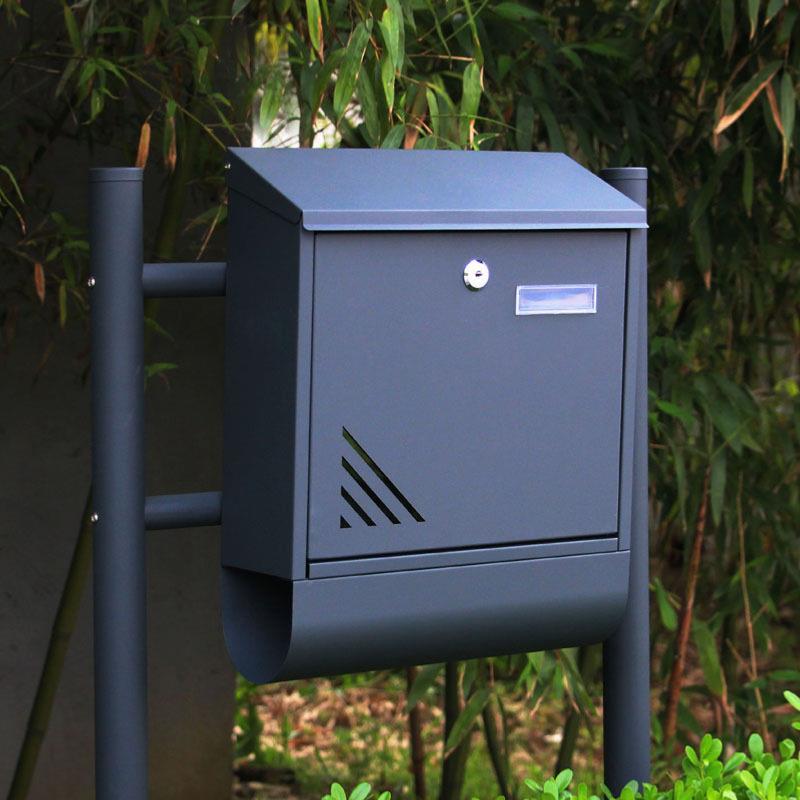 bo te aux lettres sur pieds mod le terra acier bross. Black Bedroom Furniture Sets. Home Design Ideas