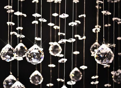 lustre suspendu 180 cristaux mod le pivoine. Black Bedroom Furniture Sets. Home Design Ideas